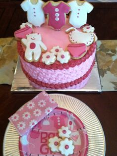 baby shower cake to match napkins and paper plate