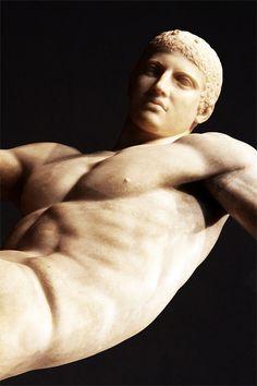 Discobolus, Myron (5th century BC; Roman copy of the Greek original)