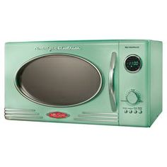 Retro Microwave in Green. I am no all about having a microwave but I would be ok with this one!