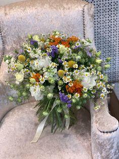 Floral Wreath, Wreaths, Table Decorations, Plants, Home Decor, Floral Crown, Decoration Home, Door Wreaths, Room Decor