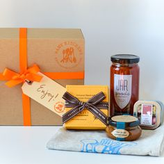 Gift Ideas from manykitchens.com