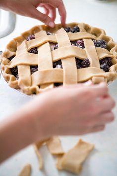 WA blackberry pie courtesy of Seattle's own High 5 Pie via @cakespy.  whole wheat crust!!