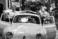 I have a penchant for the style of the 50s and 60s. Danish politician and later prime minister Jens Otto Krag married actress Helle Virkner in France in 1959. They sneaked off, but the press tracked them down. Krag was a heavy drinker and a womanizer, and in 1973 they were divorced. He died in 1978. Virkner was a Danish Audrey Hepburn, equally beautiful and sweet. She died in 2009. But look at the chubby shapes of that car and Krag's lavish shirt collar. Talk about style, man ...