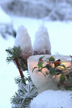 ice candle w/holly Noel Christmas, Country Christmas, Winter Christmas, All Things Christmas, Christmas Lights, Christmas Wreaths, Natural Christmas, Winter Snow, Christmas Ideas