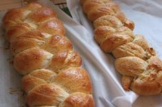 A Luddite Gets Over Fear of Technology (and Baking) Finnish Pulla Bread Recipe, Finnish Recipes, Easter Specials, Braided Bread, Pan Dulce, Bread N Butter, Sweet Bread, Food For Thought, Bread Recipes