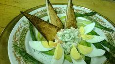 Uova e asparagi. Eggs and asparagi.