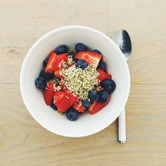 Breakfast fruit salads, strawberries week. Strawberries, blueberries, hemp seeds, milk (I personally use Kara coconut milk or almond milk) and gluten free cereal flakes. #instafood #instasalad #feelgood #healthy #healthyfood #saladpride #saladlove #saladjam #salad #vegetarian #vegan #desk #veg #veganfood #veganshare #cleaneat #eatclean #nutrition #nutritionist #fit #fitness  #breakfast #fruits #fruitsalad  #healthnut #healthyfoods #healthybreakfast #healthysalad