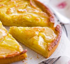 Discover the recipe Norman apple pie on cuisineactuelle. - Quick and Easy Recipes Apple Desserts, Köstliche Desserts, Apple Recipes, Sweet Recipes, Delicious Desserts, Dessert Recipes, Sweet Pie, Sweet Tarts, Desserts With Biscuits
