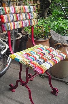 Looking for new ideas to inspire your knitting? Yarn bombing is a type of street art (think graffiti