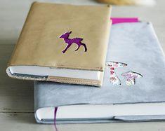 Ledereinband für Bücher - Geschenke basteln zu Weihnachten 8 - [LIVING AT HOME]
