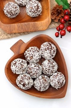 Gingerbread Cookie Balls- 21 Delicious Gingerbread Recipes