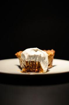 No Bake Vegan Pumpkin Pie | minimalistbaker.com #vegan #glutenfree