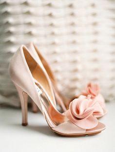 22 wedding shoes for bride, bridal high heels, bridal shoes Pretty Shoes, Beautiful Shoes, Cute Shoes, Me Too Shoes, Pink Wedding Shoes, Bridal Shoes, Floral Wedding, Wedding Heels, Wedding Vintage