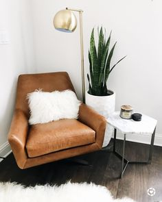 Home decor, leather chair, saddle leather chair, modern decor, modern style, interior design, #austindesigner, austin texas interior design Amira & MayaCloset Nine☁️