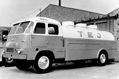 •♥• TEJ Czepel D700 •1♥ #Czepel+D700 Commercial Vehicle, Vintage Trucks, Old Cars, Hungary, Budapest, Cars And Motorcycles, Recreational Vehicles, Transportation, Busse