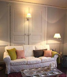 Papier peint original & décoration murale en édition limitée : Papier peint trompe l'oeil porte Ohmywall Deco, Decor, Furniture, Living Room, Home, Couch, Sectional Couch, Home Decor, Room