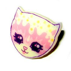 SALE : Vintage Cream Kitty Ring