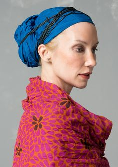 Solid-colored silk shawl – Velour in Freiburg – GUDRUN SJÖDÉN – Webshop, mail order and boutiques   Colorful clothes and home textiles in natural materials.