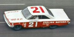❦ 1963 ~ DeWayne Tiny Lund, filling in for the injured Marvin Panch, drives the Wood Brothers Ford to victory in the Daytona The lead changes hands five times in the final 17 laps. Nascar Race Cars, Old Race Cars, Daytona 500 Winners, Vintage Race Car, Vintage Auto, Ford Galaxie, Car And Driver, Chevrolet Logo, Volkswagen