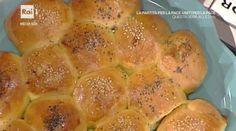 """La ricetta dei Danubio, un rustico napoletano, di Anna Serpe del 12 ottobre 2016, a """"La prova del cuoco"""". Un classico della cucina napoletana."""