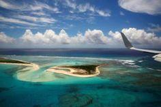 Fotografía del el atolón de Midway desde el Air Force One, el avión del…