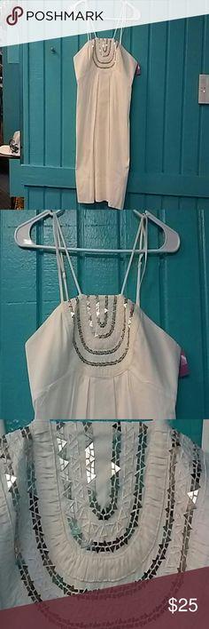 BCBGMaxAzria White Spagetti Strap Dress Size S BCBGMaxAzria White/Silver Spagetti Strap w/ Pockets  Dress Size S-Preowned BCBGMaxAzria Dresses