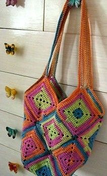 crochet bag free pattern Top 10 Most Popular Free Crochet Patterns on Ravelry (and 10 Others that are Loved) Free Crochet Bag, Crochet Shell Stitch, Crochet Tote, Crochet Handbags, Crochet Purses, Filet Crochet, Knit Crochet, Ravelry Crochet, Tapestry Crochet
