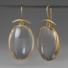 Jewellery A pair of yellow gold earrings with small quartz crystal lens' set in scalloped bezels hand made by Gabriella Kiss. Gold Jewelry, Vintage Jewelry, Jewelry Accessories, Fine Jewelry, Jewelry Clasps, Jewelry Trends, Jewelry Shop, Jewelry Art, Bijoux Design