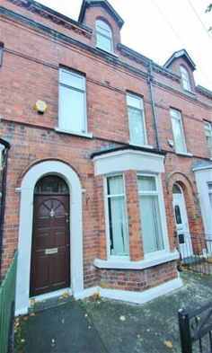 21 Glandore Drive, North Belfast, Belfast BT15 3FG 4 Bed Terrace house For Sale Offers around £104,950 | PropertyPal