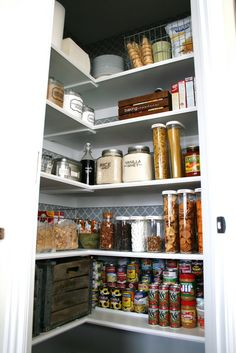 Nice organized pantry.  Mine will have lots of Tupperware Modular Mates though.  :)