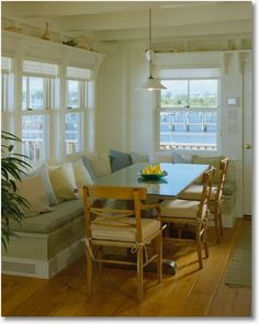 Would LOVE to do something like this in eating area of kitchen instead of traditional seating