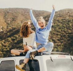 #friendship #girl #goals #friends #best #travel #bff #tumblr https://weheartit.com/entry/301165069?context_page=126&context_type=explore