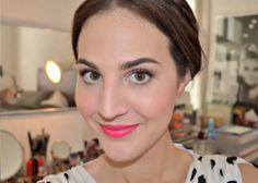 Maquiagem linda feita pela Vic Ceridonio, do Dia de Beauté. Ótimo para usar também no dia a dia! http://revista.vogue.globo.com/diadebeaute/2013/05/tv-beaute-casamento-de-dia-com-batom-vibrante/  Batom vibrante para levar a vida em alto astral! ;)