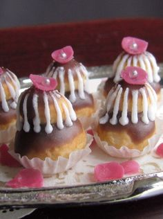 French pastry:  Religieuse
