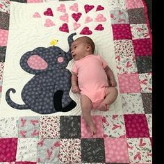 Superb baby quilts - visit our piece for a lot more plans! Elephant Quilts Pattern, Owl Baby Quilts, Chevron Baby Quilts, Baby Quilts Easy, Baby Quilt Size, Baby Boy Quilt Patterns, Neutral Baby Quilt, Baby Patchwork Quilt, Handmade Baby Quilts
