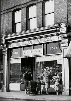 The Dolls Hospital In Dawes Road Fulham - oh for 30 minutes back there! Old Pictures, Old Photos, Vintage Photographs, Vintage Photos, Liverpool Home, Old London, Blitz London, London History, High Street Shops