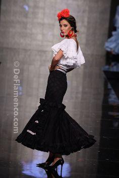 Fotografías Moda Flamenca - Simof 2014 - Mari Carmen Cruz 'Y... Sevilla' Simof 2014 - Foto 14