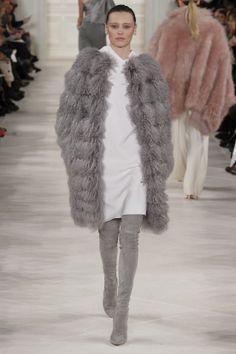 Défilé Ralph Lauren prêt-à-porter automne-hiver 2014-2015| http://www.pinterest.com/adisavoiaditrev/