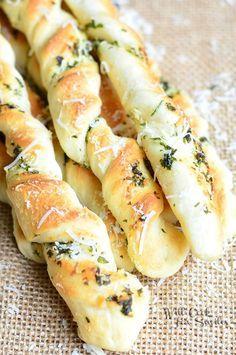 Homemade Parmesan Grlic & Herb Breadsticks | from willcookforsmiles.com