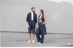 NAVY BLUE LOOK    Vous l'aurez compris, la tendance denim nous a littéralement contaminé ! Et pour ce nouveau look, j'ai misé sur un ensemble de la marque Monki; pantalon et veste longue sans manches pour une allure un brin masculine que j'ai twisté avec un top brassière en maille. La transition entre l'été et l'automne n'est pas aisée quand il s'agit de s'habiller, alors js a tout simplement décidé de mixer son short en jean avec un sous-pull léger et une chemise oversize.