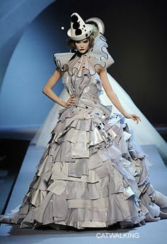 Coasta Genise: Bill Gaytten presents his First Christian Dior Haute Couture Collection