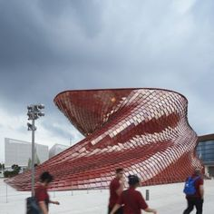 """Daniel Libeskind unveils his """"handcrafted dragon"""" at the Milan Expo"""