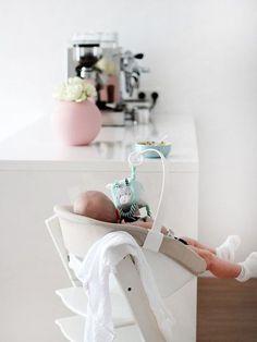 Ein Traum für die Kleinen: Das Stokke Sleepi Babybett & ein Mitmachwettbewerb   SoLebIch.de    Foto: barbara_ewa  #kinderstuhl #esszimmer #tripptrapp #weiß