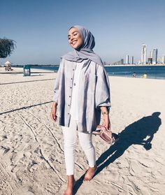 Trendy ideas for style hijab casual pantai Hijab Fashion Summer, Modern Hijab Fashion, Street Hijab Fashion, Hijab Fashion Inspiration, Muslim Fashion, Mode Inspiration, Modest Fashion Hijab, Fashion Trends, Latest Fashion
