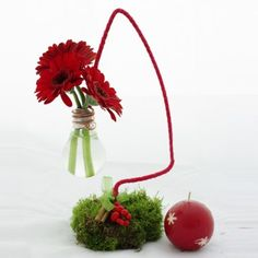 YaU Concept_Catalog YAU Craciun 2011_Christmas tree with natural flowers _ christmas table decoration
