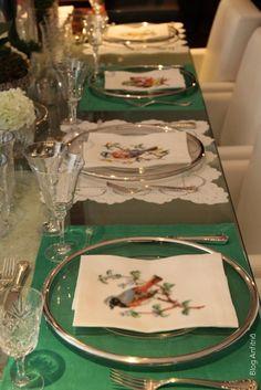 quenalbertini: Bird napkins and green table setting
