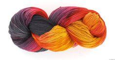 Handgefärbte Wolle in 27 verschiedenen Qualitäten