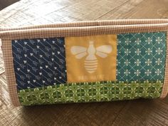 I've seen Sew Together Bags all over Pinterest and Instagram. I always thought they were really cute and wanted to make one for myself. ...