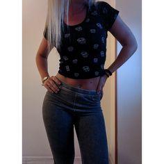 T-shirt: Tally Weijl - Leggings: H&M