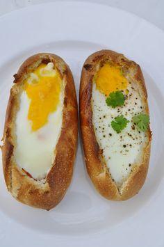 Bakte eggebåter med skinke/chorizo og ost